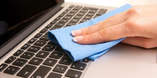 Notebook Tastatur reinigen